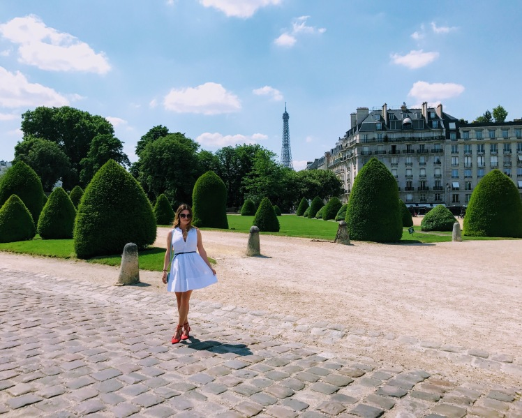 paris france summer laduree travel diary Eiffel Tower fashion blogger travel blogger